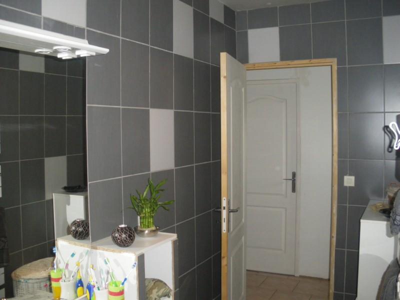La salle de bain la construction de notre maison for Decoration carrelage mural salle de bain